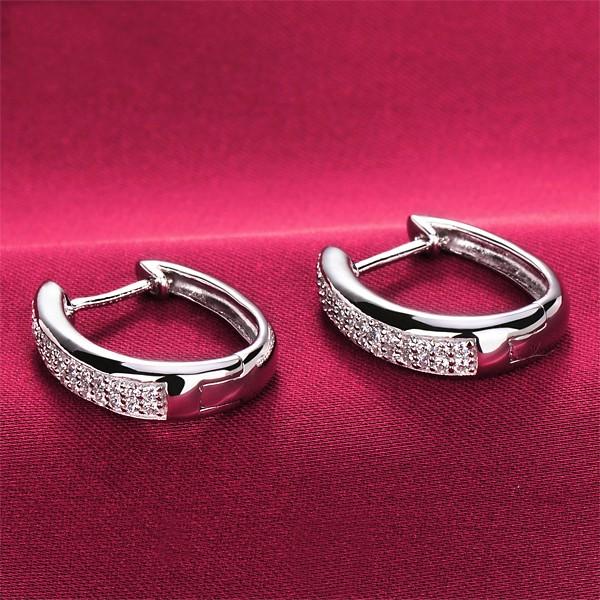 0.8 Carat Shinning ESCVD Diamonds Fashionable Women Earrings