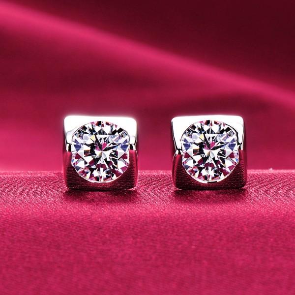 Square 0.5 Carat ESCVD Diamonds Fashionable Women Earrings