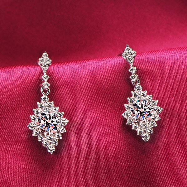 Rhombic 0.5 Carat ESCVD Diamonds Fashionable Women Earrings