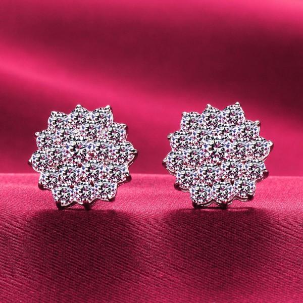 Flower Shape 1.0 Carat ESCVD Diamonds Fashionable Women Earrings