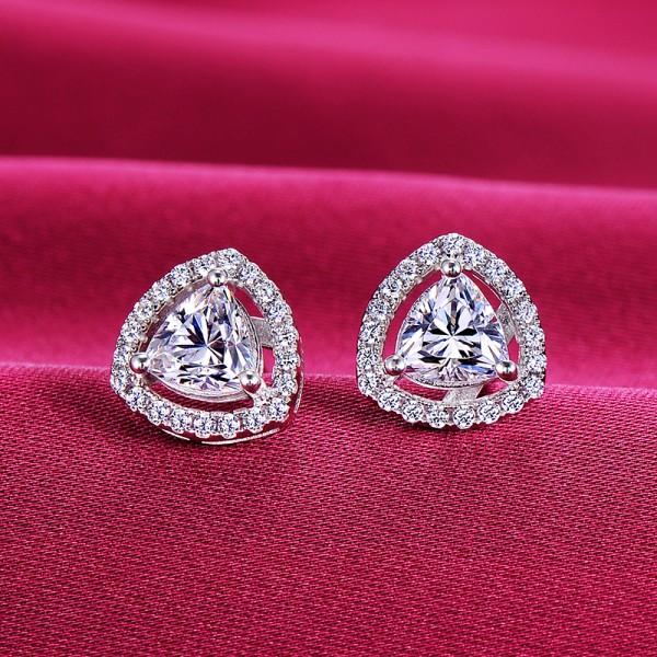 0.39 Carat Heart Shape ESCVD Diamonds Fashionable Women Earrings