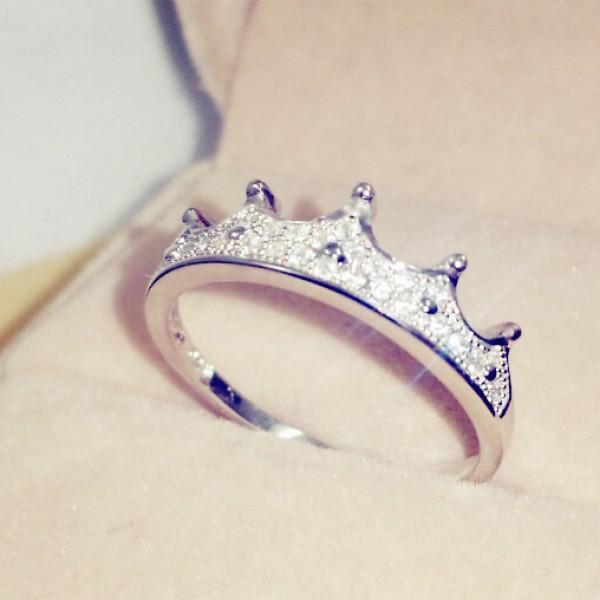 Micro-Inlaid Baroque Gothic Diamond Crown Diamond Ring
