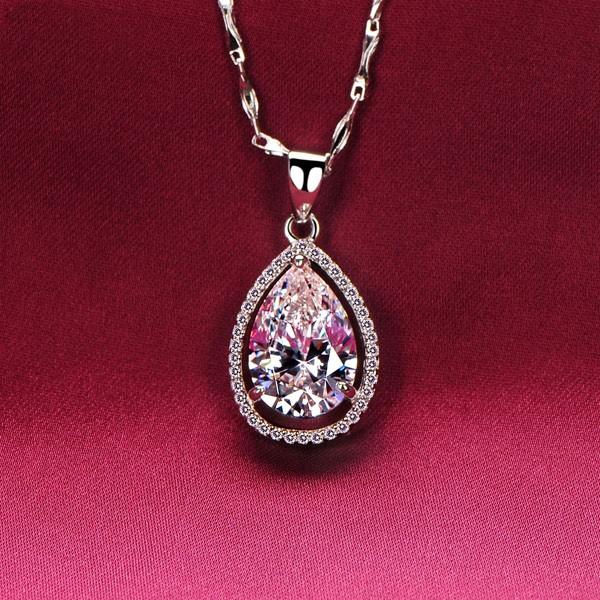 4.0 Carat Oval ESCVD Diamonds Fashionable Women Necklaces Gift Necklaces