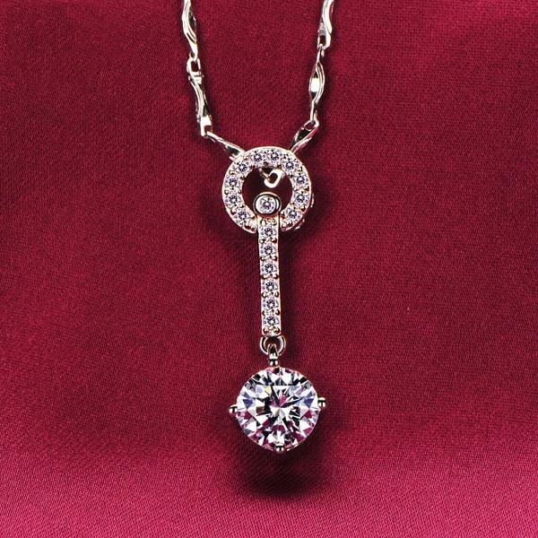 Key Shape 1.2 Carat ESCVD Diamonds Fashionable Women Necklaces Gift Necklaces