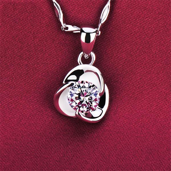 0.5 Carat Petal Shape ESCVD Diamonds Fashionable Women Necklaces Gift Necklaces