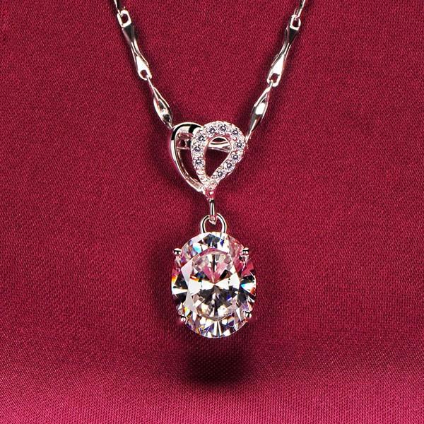 Oval White Diamonds 2.0 Carat ESCVD Diamonds Fashionable Women Necklaces Gift Necklaces