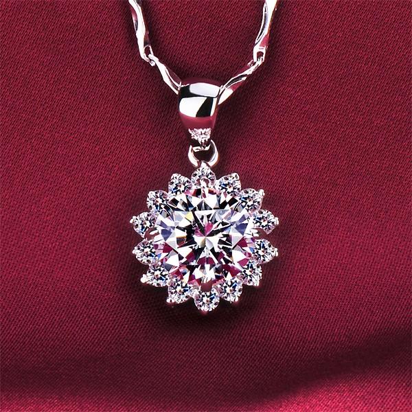 Sunflower 2.0 Carat ESCVD Diamonds Fashionable Women Necklaces Gift Necklaces