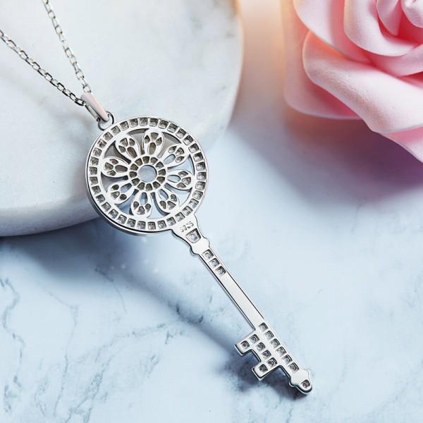 925 Silver Rhinestone Valentine'S Day Present Ladies' Necklace With Chain